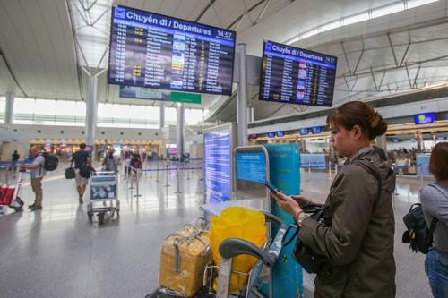 sân bay Tân Sơn Nhất ngưng phát thanh thông tin chuyến bay nội địa