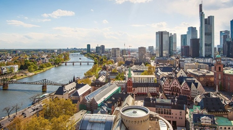 Frankfurt-city-guide-skyline